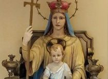 Mary And Jesus Statue Th
